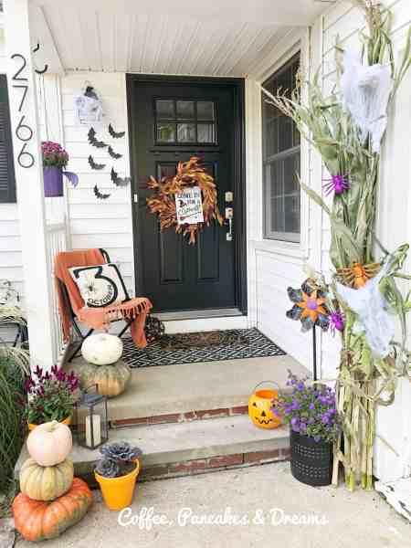 Fall Front Porch Decor #farmhouse #halloween #outdoordecor