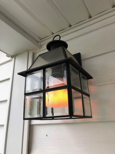 Flame look lightbulb for front porch