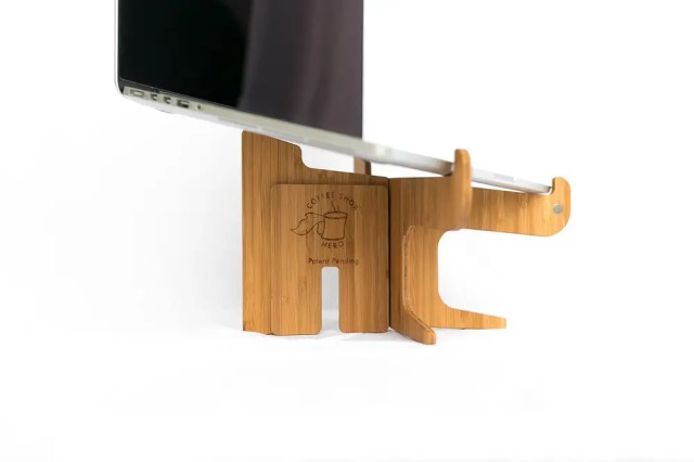 Low Setting of Coffee Shop Hero Laptop Stand