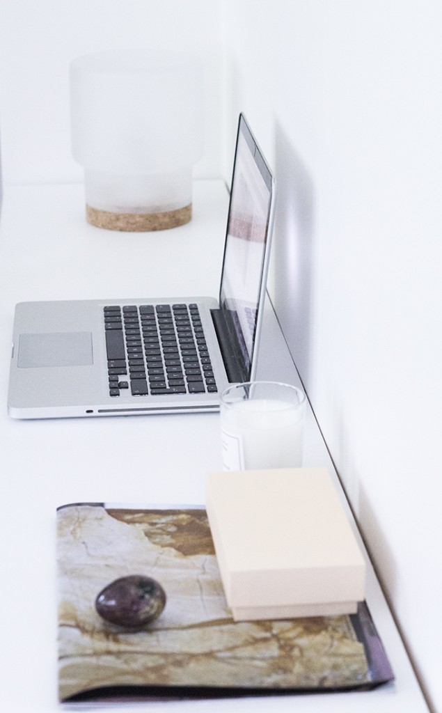 työpisteen sisstus, desk decor