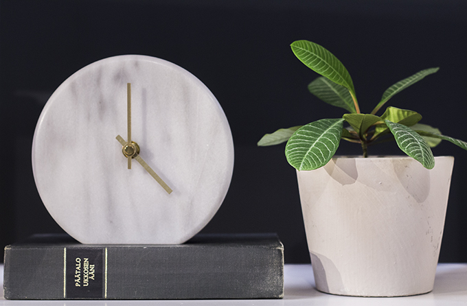 Bo Concept Round marble clock marmorikello