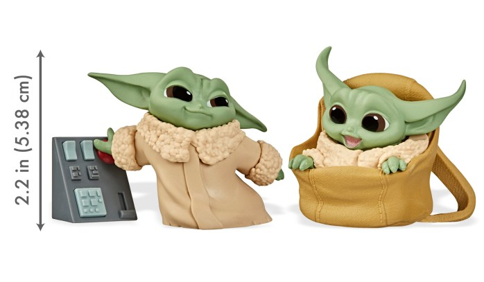 Star Wars The Bounty Collection Series 2 The Child Collectible Toys 2.2-Inch Speeder Ride, Touching Buttons Figure 2-Pack MSRP: $7.99 Available: Pre-order Sept. 21 Link: https://www.walmart.com/ip/SW-THE-BOUNTY-COLLECTION-2PK-RIDE-BUTTON/255079145 From HASBRO is Series 2 of the STAR WARS THE BOUNTY COLLECTION, THE CHILD 2.2-INCH CThe Star Wars The Bounty Collection Series 2 The Child collectible toys 2-pack, inspired by the super-cute character from the hit Disney Plus series The Mandalorian! Fans can start a collection or add to an existing collection of this adorable character in poses inspired by iconic scenes from the streaming series! (Each sold separately. Subject to availability.)