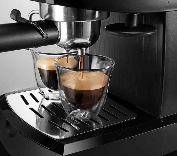 delonghi espresso maker brewing coffee