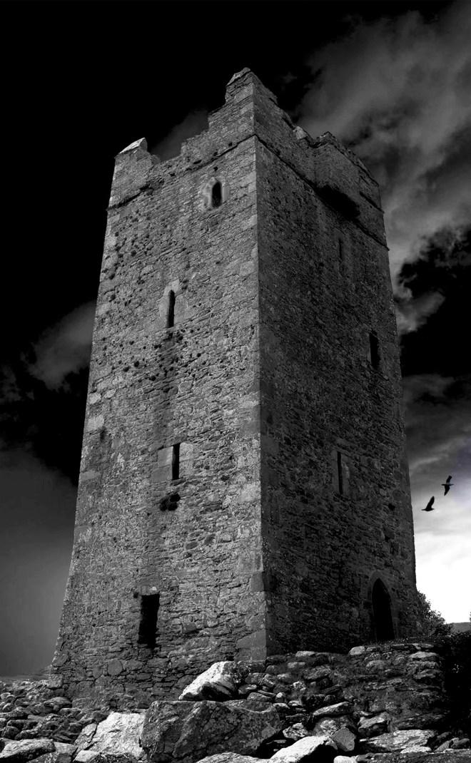 16_-_Grainne_OMalley._irelands_pirate_queens_castle._Achill_Island.