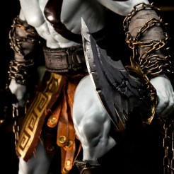 god-of-war-4-10-ans-statuette-collector-09