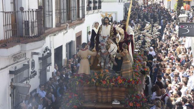El obispo no cree que haya procesiones de Semana Santa en 2021