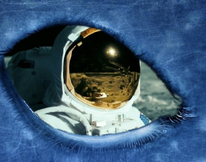 NASA astronauts, were forced not to reveal the truth about the aliens. Original article by Alessandro Brizzi.