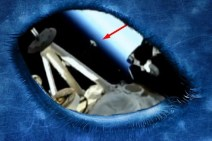 ISS, UFO approaches astronauts and live TV-NASA is mysteriously cut. Original article by Alessandro Brizzi.
