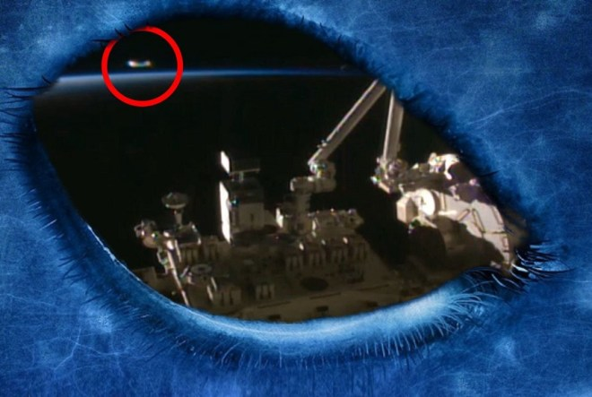 Exclusive Leaked video on the internet shows how NASA observes a huge UFO. Original article by Alessandro Brizzi.