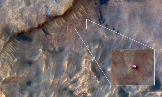 Underground structures, NASA is in possession of photographs showing access doors to Mars