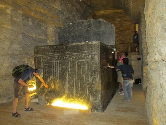 Egypt, the gigantic sarcophagi of Saqqara used as dimensional portals