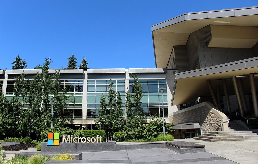 Photo: Building 92 at Microsoft Corporation headquarters in Redmond, Washington. (Credit: Coolcaesar)