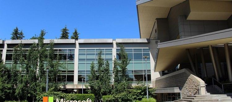 Photo:Building 92 at Microsoft Corporation headquarters in Redmond, Washington.(Credit: Coolcaesar)