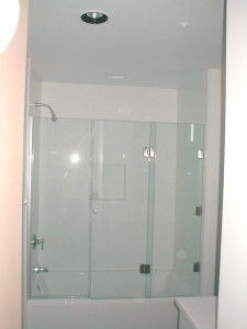 Bi-Fold-3-Panel-Tub-Enclosure