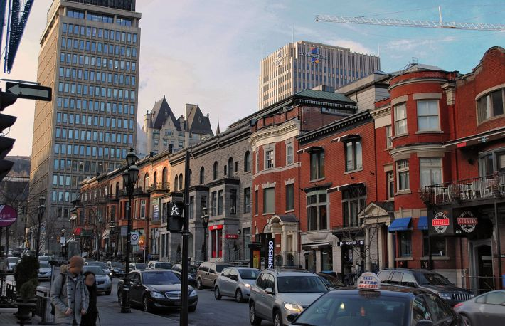 1200px-montreal_-_rue_crescent
