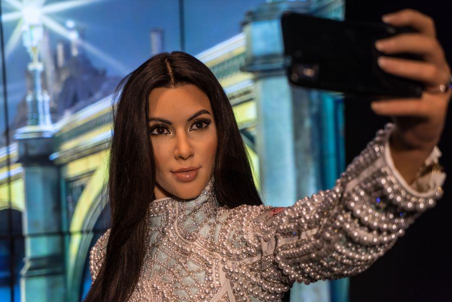 Kim Kardashian taking selfie