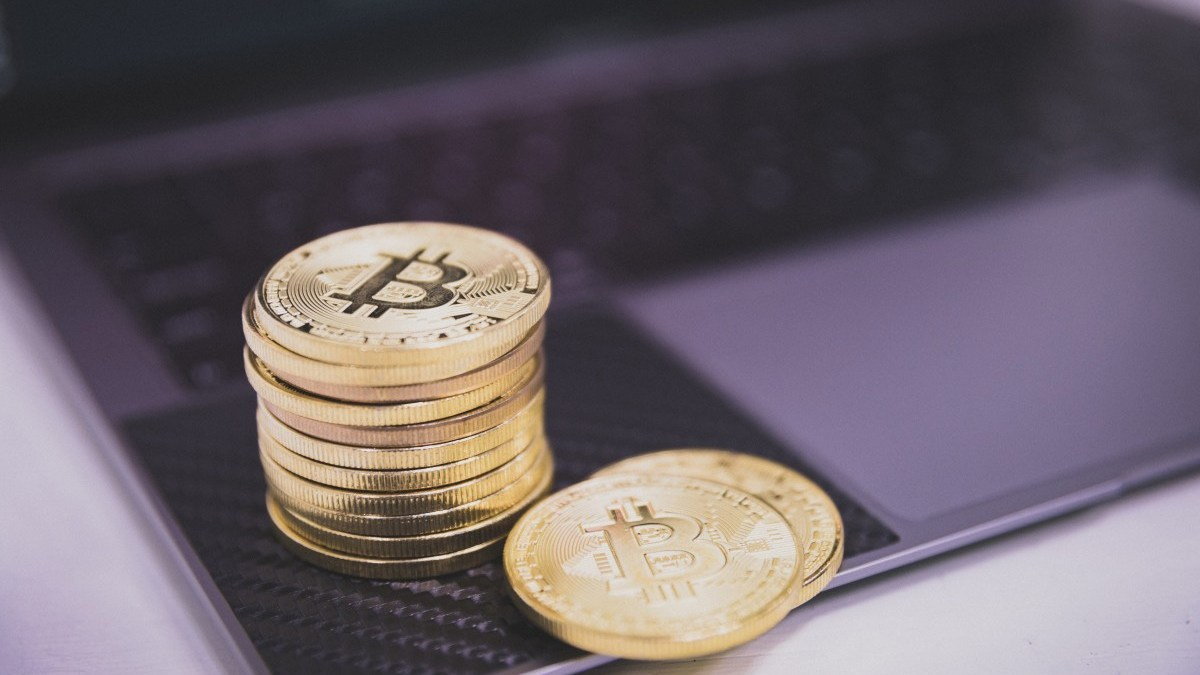 how to earn money through cryptocurrency