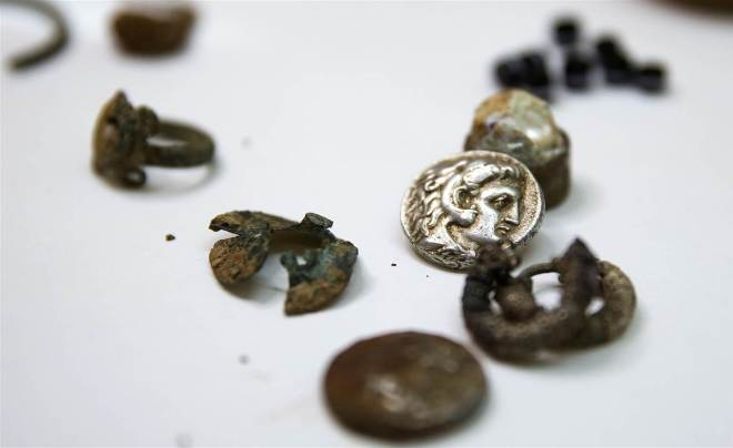 coins-israel-cave