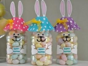 DIY-Easter-Bunny-Bottle-Treats1-370x297