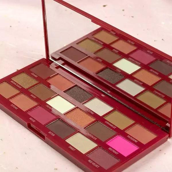 I-Heart-Revolution-Chocolate-Heart-Makeup-Gift-Set-766061