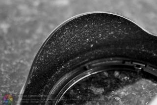 Detalhe do parasol da lente Canon EF 17-40mm f/4 L USM.