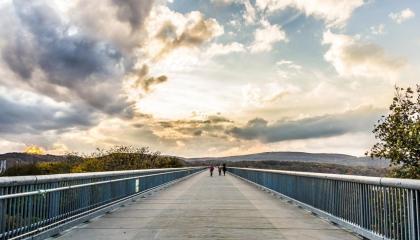 Passeios pelos arredores de Nova York - Hudson Historic State Park: parque em Highland, NY, que inclui uma enorme ponte que liga as duas margens do rio Hudson