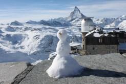 Gornergrat. W tle obserwatorium i Matterhorn