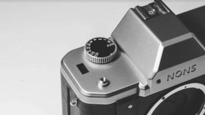 NONS SL42|一眼レフの機能が楽しめるインスタントカメラが気になる