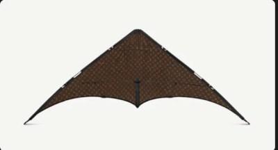 ルイ・ヴィトンの凧が凄い