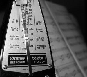 El metrónomo es el instrumento que indica el tempo