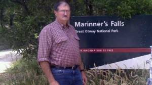 Frank Buchanan will lead a protest on Thursday calling for Parks Victoria to reopen Apollo Bay's Marriner's Falls but is urging people to show support before the authority removes signs and other infrastructure.