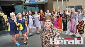 Trinity College Colac Indonesian language teacher Elana Cole has won a national award for her enthusiasm in promoting Indonesian studies.
