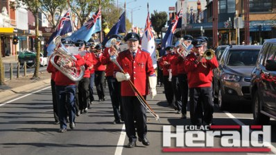 Colac City Band acting drum major Bryan Cuthbertson was concerned for his fellow marchers' safety when he led Colac's Anzac Day march onto Murray Street.