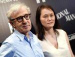 Esposa de Woody Allen lo defiende ante los Farrow