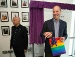 No tendría problemas con un hijo gay: Príncipe Guillermo