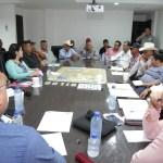 Se reúne alcalde Walter Valenzuela con transportistas en Comondú