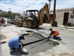Realiza Obras Públicas bacheo y limpieza en el Fraccionamiento Auroras de CSL
