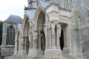 Chartres_Cathedral_North_Porch_NW_2007_08_31