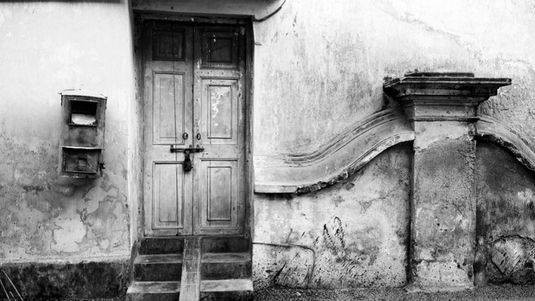 kolkata-door