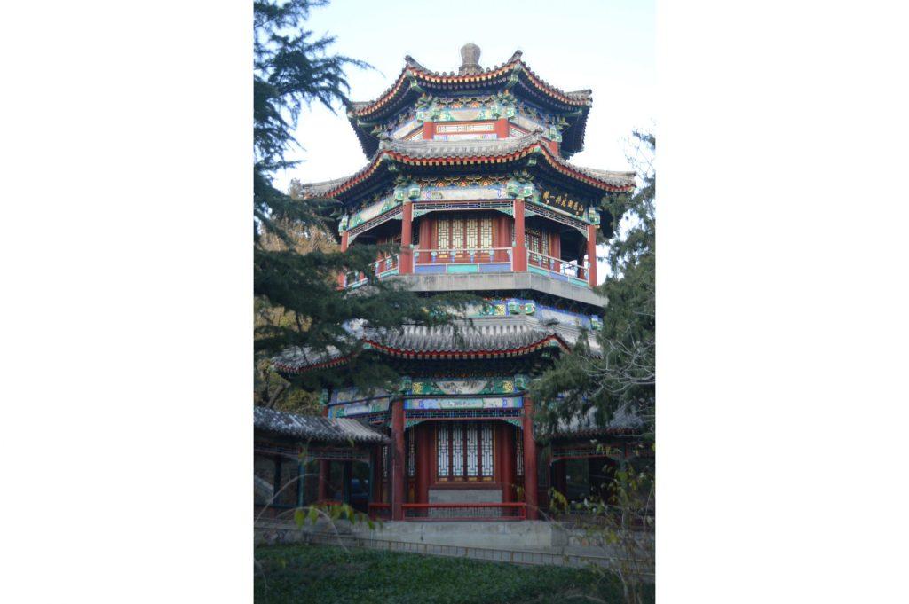 Torre cerca del Pabellón de Qiushui