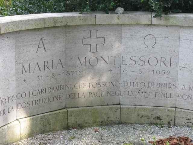 Tumba de Maria Montessori