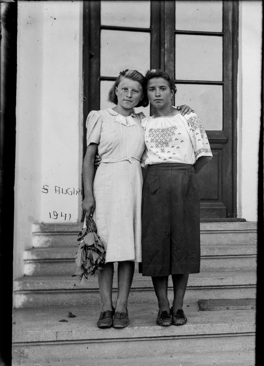 2 imagini: portrete. 5 august 1941