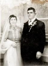 Miri Costică Acsinte din casele noastre Arhiva personală Axinte Constantin, Perieți