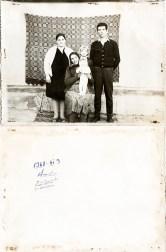Familie. 9 noiembrie 1968. Amintire din tinerețe Costică Acsinte din casele noastre Arhiva personală Bucur Ionel, Perieți