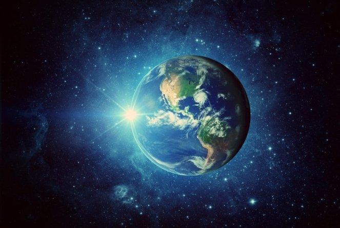 Planeta albastra poezie