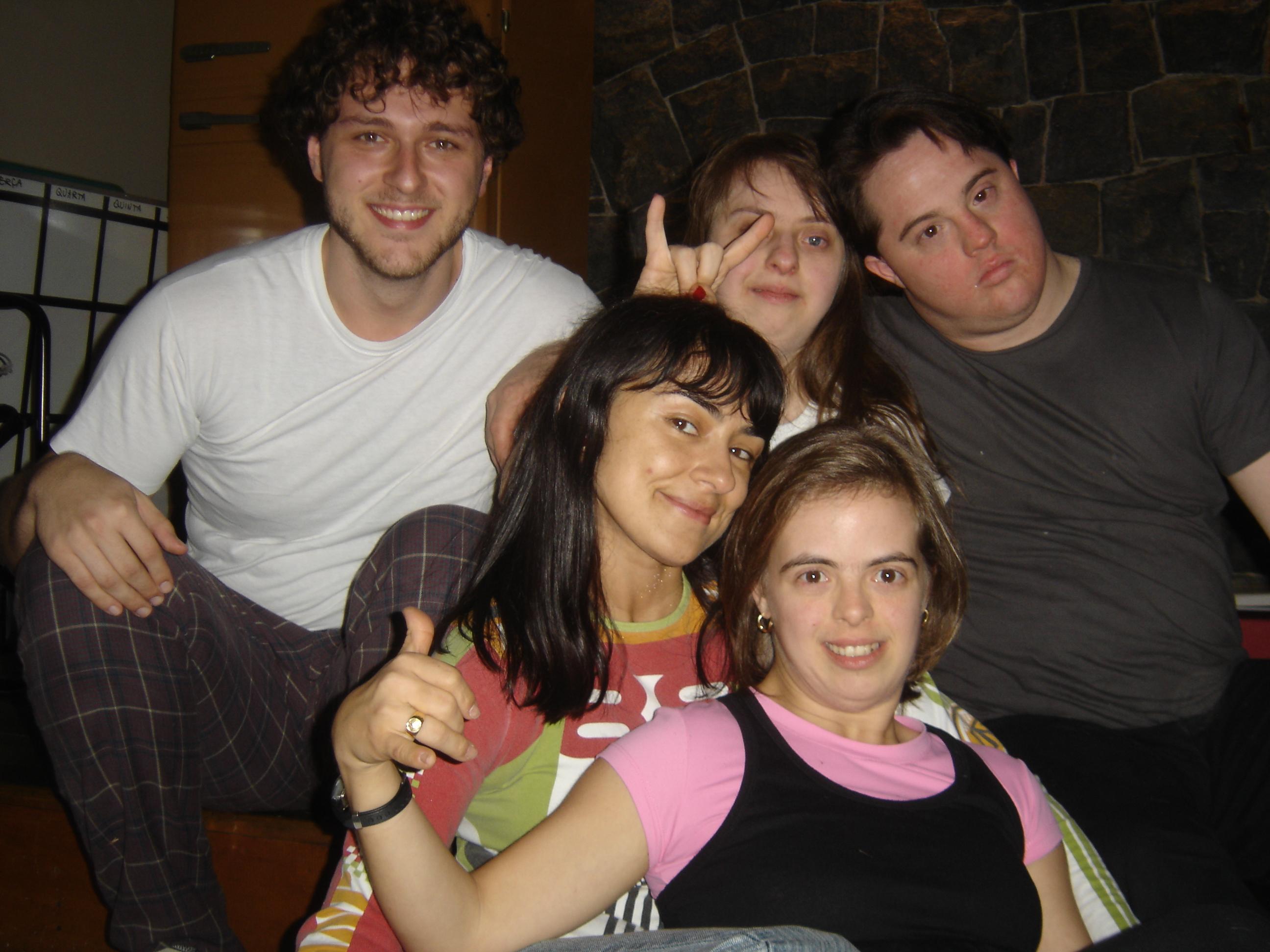 Guilherme, Ritinha, Ariel, Alek e Zezé