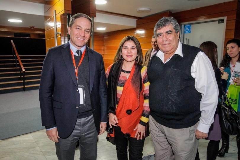 """PROFESORES PARTICIPAN EN SEMINARIO """"EL COLEGIO QUE VIENE"""""""