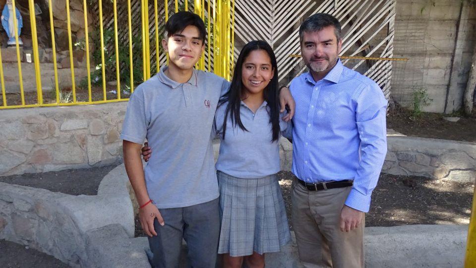 Colegio Antonio Varas Reconoce a Alumnos Campeones de Kitesurf