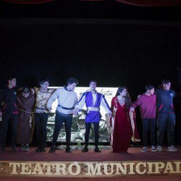 Alumnos de la Academia de Teatro Mostraron Todo su Talento