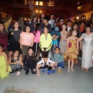 Estudiantes del CAV Participan en Desfile de Moda
